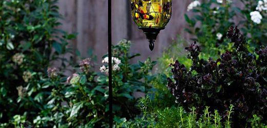 Hogyan készül: Hangulatos kerti kuckók megvilágítása