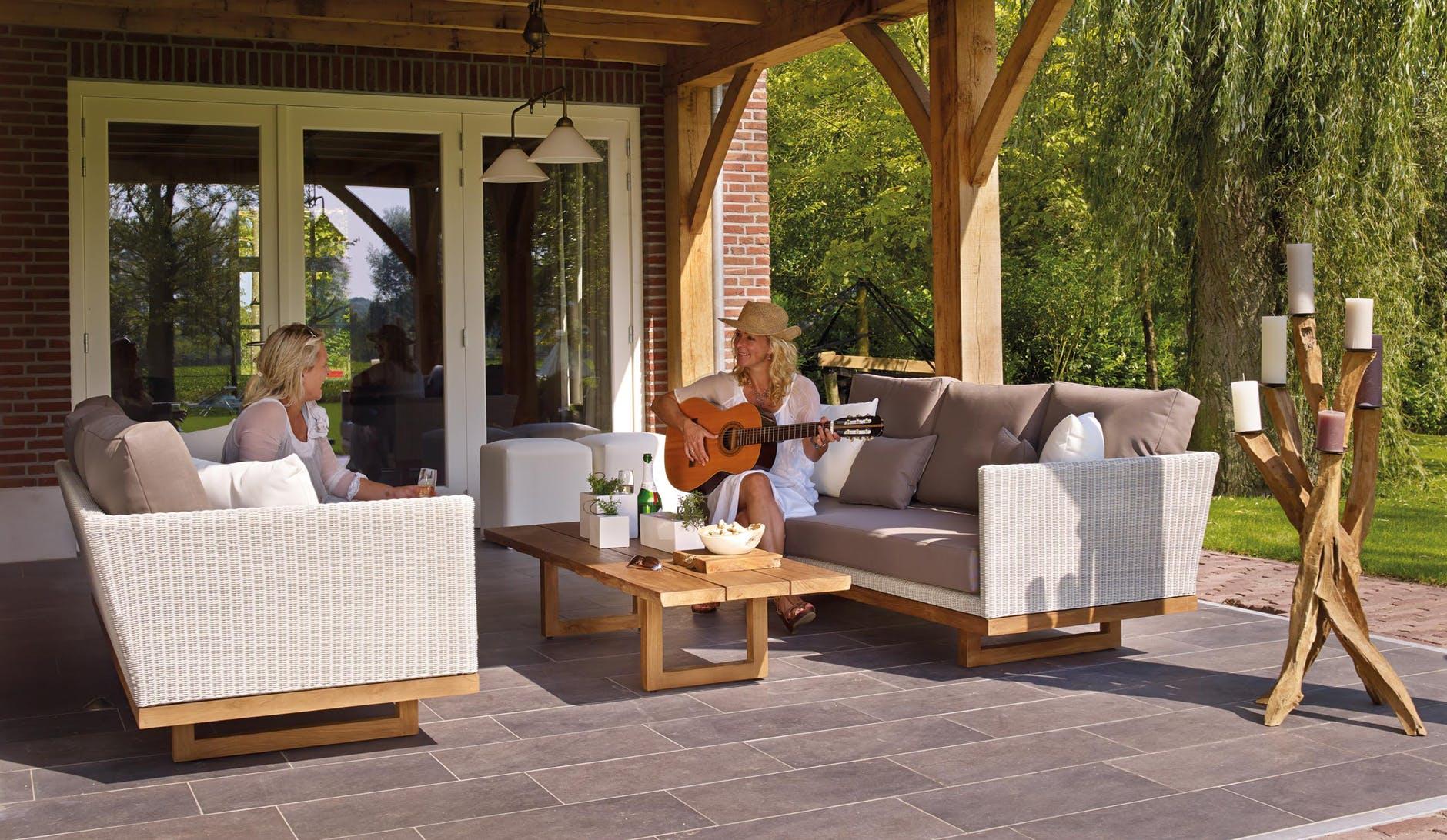Fa kerti bútorok felkészítése a télre