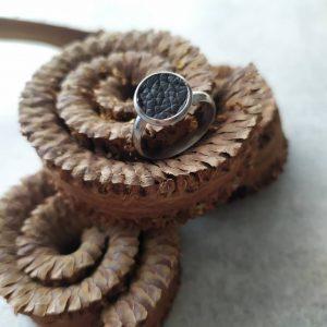 kávébarna hasítottbőr gyűrű ezüst szerelékkel