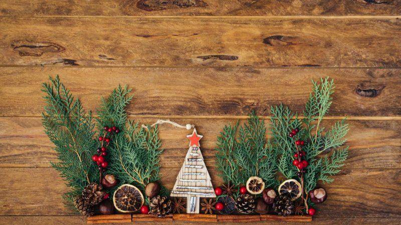 Karácsonyi asztaldekorációk a vendégváráshoz